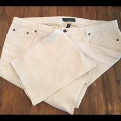 Ralph Lauren Jeans   (1929). Ralph Lauren (Lauren) Sl Jeans. Sz. 18w   Color: Cream   Size: 18w