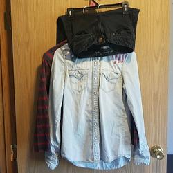 American Eagle Outfitters Jeans   American Eagle Jeans And Ls Shirt Combo   Color: Black/Gray   Size: 0