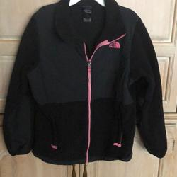 The North Face Jackets & Coats | North Face Girls Fleece Jacket, Black,Size Xl (18) | Color: Black/Pink | Size: Xlj