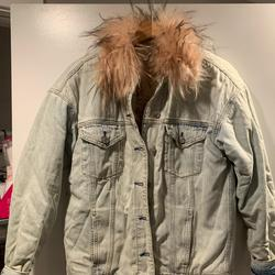 American Eagle Outfitters Jackets & Coats   Ae Faux Fur Collar Denim Jacket (Worn Twice!!)   Color: Blue/Pink   Size: M