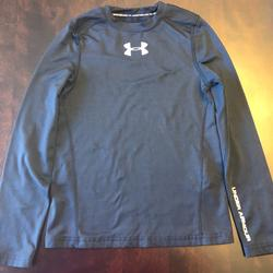 Under Armour Shirts & Tops   Boys Under Armour Shirt Youth Small   Color: Black   Size: Youth Small