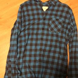 American Eagle Outfitters Shirts   Mens American Eagle Outfitter Flannel Shirt   Color: Blue   Size: M