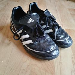 Adidas Shoes   Adidas Indoor Soccer Sports Shoes   Color: Black/White   Size: 1b