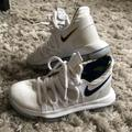 Nike Shoes   Nike Kevin Durant Basketball Shoes   Color: White   Size: 4y