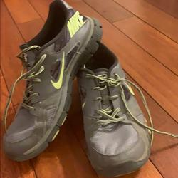 Nike Shoes   Mens Nike Shoes Good Condition No Insole   Color: Gray/Yellow   Size: 10.5