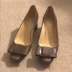 Kate Spade Shoes   Like New! Kate Spade Pumps With Bows & Block Heels   Color: Brown/Tan   Size: 6