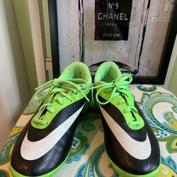 Nike Shoes | Nike Shoes | Color: Black/Green | Size: 5