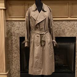 Burberry Jackets & Coats | Burberry Trench Coat Raincoat Unisex (Men'S) | Color: Tan | Size: 36r