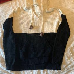 Madewell Sweaters   Madewell Black And Off White Sweater!   Color: Black/White   Size: S