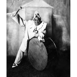 Enrico Caruso (1873-1921) Nitalian Tenor As Canio In LeoncavalloS I Pagliacci New York 1910 Poster Print by Granger Collection
