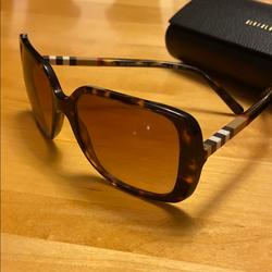 Burberry Accessories   Burberry Tortoise Brown Square Sunglasses   Color: Brown   Size: Os