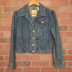 Levi's Jackets & Coats   Levis Womens Denim Jean Jacket L Cropped (4g52)   Color: Blue   Size: L