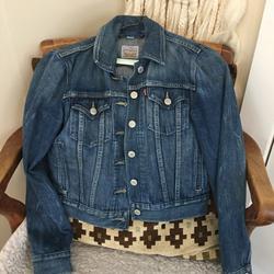 Levi's Jackets & Coats   Classic Levis Denim Jacket   Color: Blue   Size: Xss