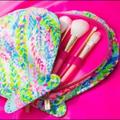 Lilly Pulitzer Makeup   Lilly Pulitzer Travel Cosmetic Brush Set   Color: Gold   Size: Os