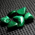 YSHG 6Pcs Green Malachite Tumbled Stones Colorful Mineral Specimen Crystal Gemstone Home Aquarium Decoration (Color : Green, Size : S)