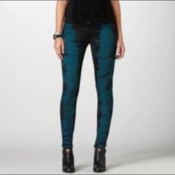 American Eagle Outfitters Jeans | American Eagle Tie Dye Low Rise Jegging Jeans 2 | Color: Black/Blue | Size: 2