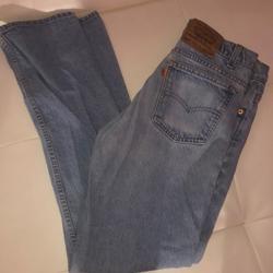 Levi's Jeans   Levis Denim Jean Straight Leg Mom Jeans Light   Color: Blue   Size: 32 X 34 (5 Womans)