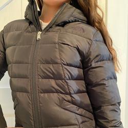The North Face Jackets & Coats | Big Girls Northface Jacket Size 1012 Medium | Color: Black | Size: Mg