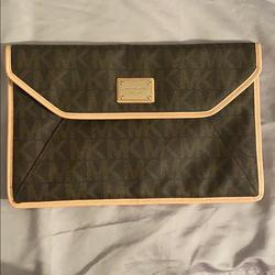 Michael Kors Accessories   Michael Kors Ipad Case   Color: Brown/Tan   Size: Fits 11 Inch Ipads And Smaller