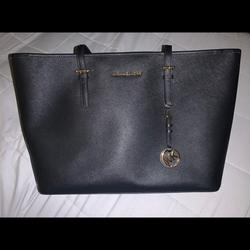 Michael Kors Bags | Michael Kors Large Tote Bag | Color: Black/Gold | Size: Large Tote Bag