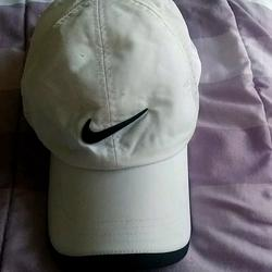 Nike Accessories   Nike Golf 1 Sz Hat $34+Free Hat   Color: Black/White   Size: Os