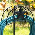 Amagabeli Garden Hose Holder Stand Freestanding Holds 125Ft Water Hose Detachable Rustproof Hanger Organizer Storage Metal Heavy Duty Decorative w/ Ground Sta