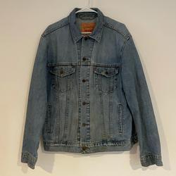 Levi's Jackets & Coats   Levi Strauss Classic Jean Jacket   Color: Blue   Size: L