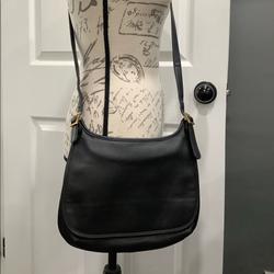 Giani Bernini Bags | Giani Bernini Slim Leather Messenger Flap Bag | Color: Black/Gold | Size: Pls See Pics For Measurements