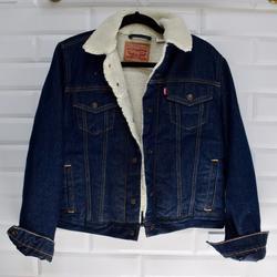 Levi's Jackets & Coats   Levi'S Faux Fur Denim Trucker Jean Jacket Women L   Color: Blue/Cream   Size: L