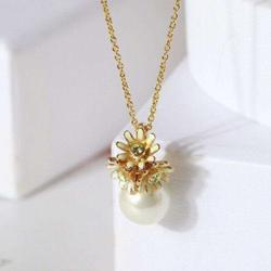 Kate Spade Jewelry | Kate Spade Necklace Gold Pearl Flower Necklace | Color: Gold | Size: Os