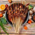 tarye Natural Bamboo Skewers Pack 200;Bamboo Sticks For Grilling, BBQ, Kabob;Candy Sticks For Fruits, Candies, Chocolate Fountain, Appetizer in Gray