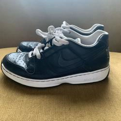 Nike Shoes   Nike Air Mens 11 Shoes *No Insoles Black   Color: Black   Size: 11