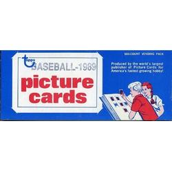1989 Topps Baseball Cards Unopened Vending Box of 500 Cards! Look for Rookies including Craig Biggio and Gary Sheffield and Hall of Famers and Superstars including Cal Ripken, Nolan Ryan, Mark McGwire, Barry Bonds, Roberto Alomar and Many More