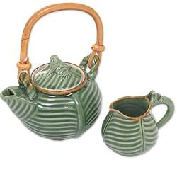 Bay Isle Home™ Klem Little Toad on a Banana Leaf Tea Pot in Green, Size 7.25 H x 5.75 W x 4.7 D in   Wayfair A3BC68B1935B44C9B11EEE4863B971C3