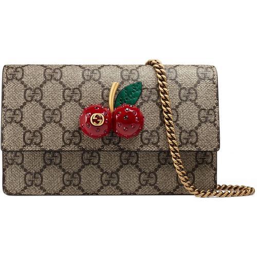 Gucci Mini-Tasche aus GG Supreme mit Kirschen