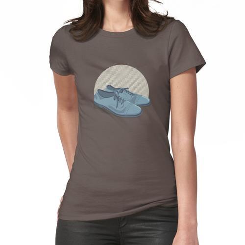 Blaue Wildlederschuhe Frauen T-Shirt