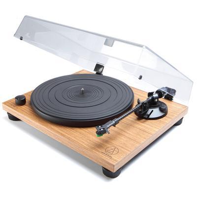 Audio-Technica LPW40-WN manual turntable with cartridge