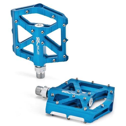 XLC Fahrradpedale MTB/Trekking Plattformpedal Colour Edition PD-M12, (2) blau Rad-Ausrüstung Radsport Sportarten