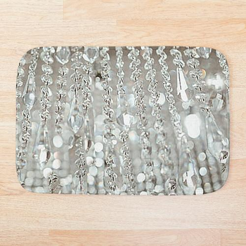 Kronleuchter aus Kristallen und Licht Badematte