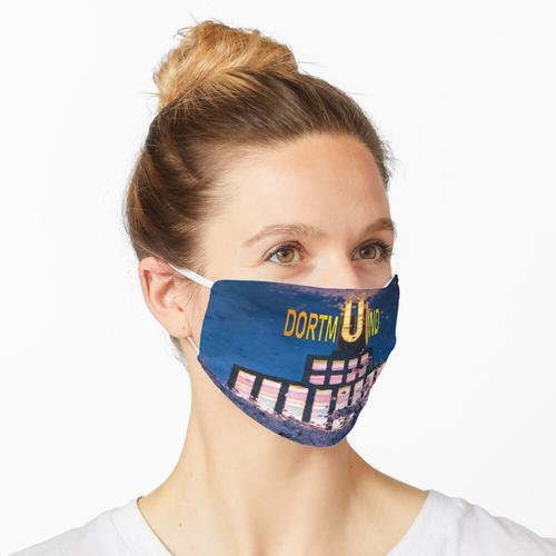 Dortmunder U in Pfütze Maske