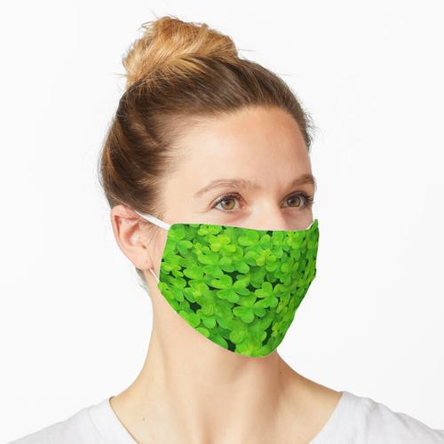 Grünes Kleeblattfeld Maske