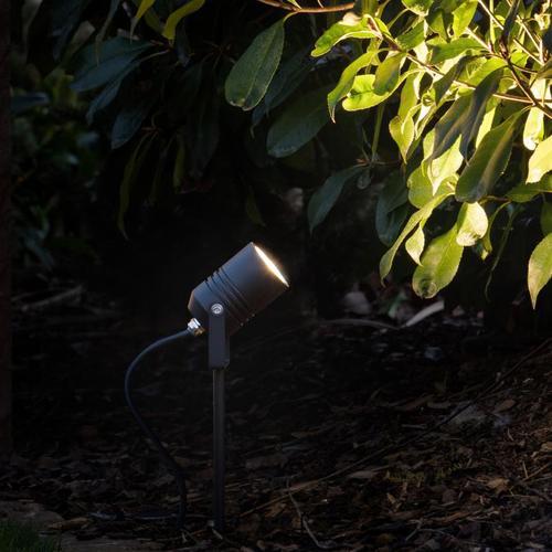LCD 5018 LED Strahler mit Erdspieß B: 6 H: 37,5 T: 10,5 cm, schwarz 5018, EEK: A+