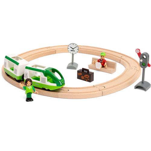 BRIO Spielzeug-Eisenbahn Starter Set Reisezug, FSC - schützt Wald weltweit bunt Kinder Kindereisenbahnen Autos, Eisenbahn Modellbau