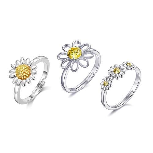 Philip Jones Ring: 1/ Dreifaches Kristall-Gänseblümchen